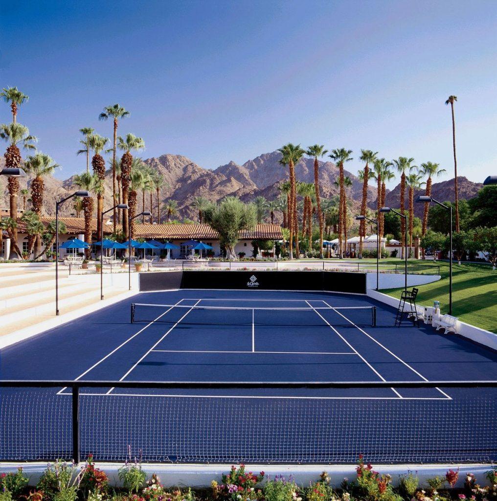 Cat lapangan olahraga tenis